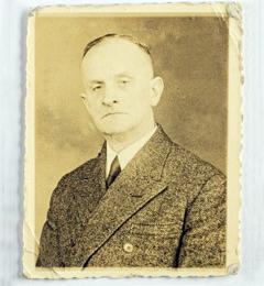 Dr. Karl Richard Strempel